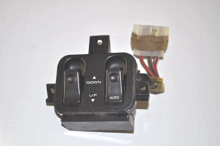 "Electric Window Console Switch - Short ""Used"""